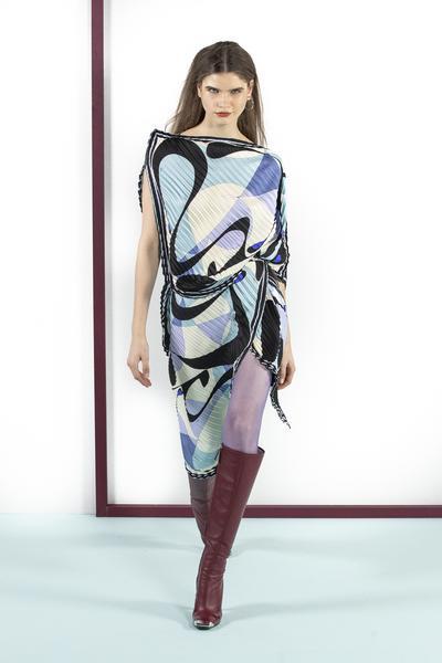 355561 861139 emilio pucci fall winter 19 20 027 web  - Emilio Pucci lança coleção Outono Inverno 19