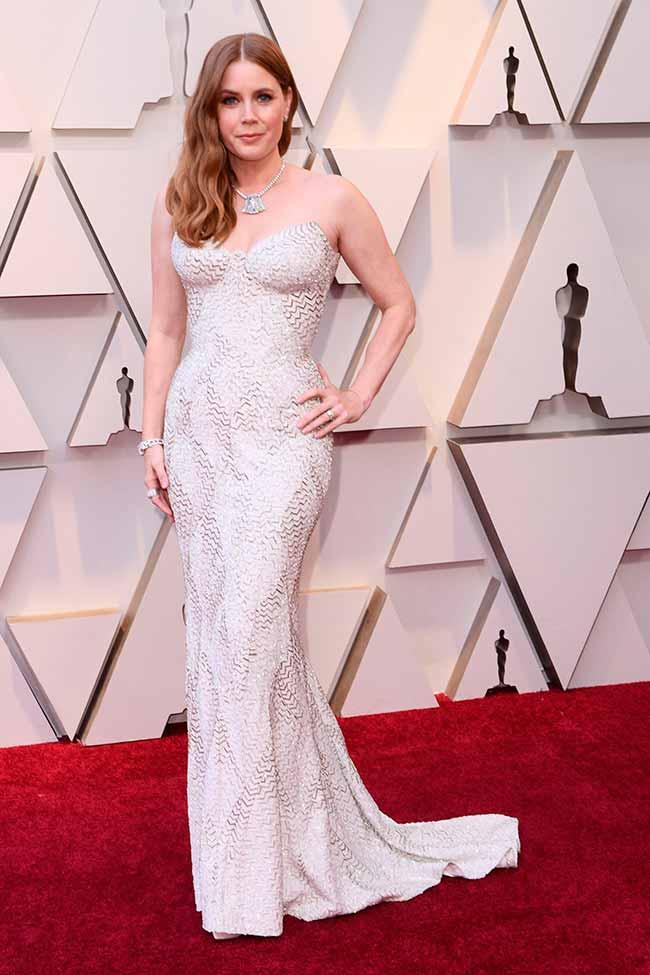 Amy Adams CREDITO E ENTERTAINMENT @EONLINELATINO - A moda no tapete vermelho do Oscar 2019