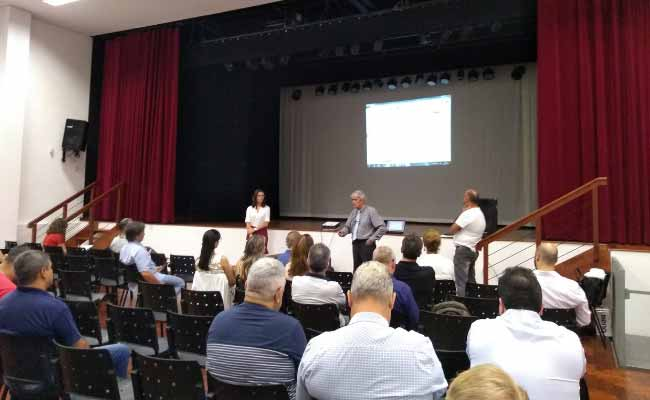 Audiência foi realizada na Casa das Artes - Gratuidade no transporte público foi tema de audiência em NH