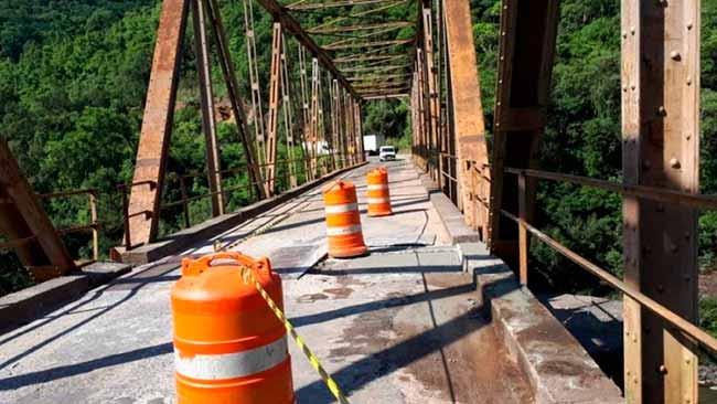 Daer recupera ponte entre Nova Roma do Sul e Farroupilha - Daer recupera ponte entre Nova Roma do Sul e Farroupilha