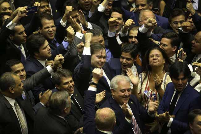 Deputado Rodrigo Maia DEM RJ foi reeleito presidente da Câmara dos Deputados - Rodrigo Maia é reeleito presidente da Câmara dos Deputados