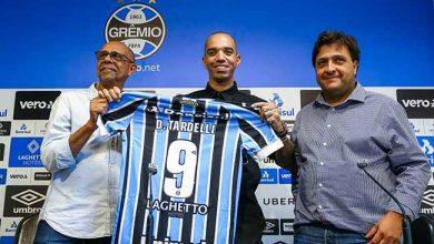 Diego Tardelli no Grêmio 1 390x220 - Diego Tardelli é apresentado e recebe a camisa de número 9 no Grêmio