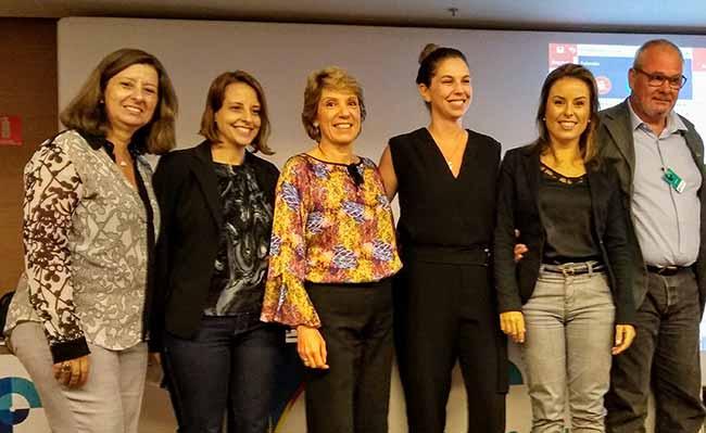 Diretoria ABQV e participantes do evento - ABQV Debate Questões Relevantes sobre a Prevenção de Doenças Crônicas Não Transmissíveis