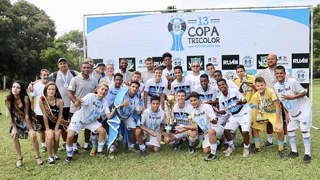 Escola promove a 13ª Copa Tricolor 1 - Escola promove a 13ª Copa Tricolor