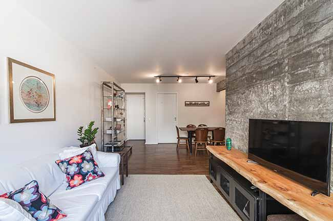 F107 - Reforma em apartamento confere praticidade e conforto aos ambientes