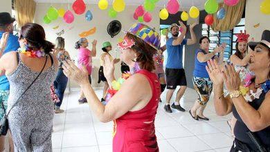 FestaIdososAcademiaSaudeAvCarnaval 390x220 - Academia da Saúde de Esteio promove baile de Carnaval