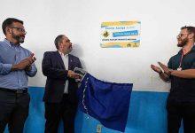 Foi entregue a placa que certifica a instituição como Escola Amiga da EPTC 220x150 - Paim participa da operação volta às aulas da EPTC