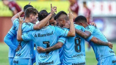 Grêmio vence o Caxias e se mantém na liderança do Gauchão 1 390x220 - Grêmio vence o Caxias e se mantém na liderança do Gauchão