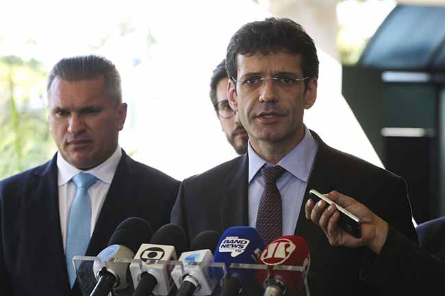 Marcelo Álvaro reassume comando do Ministério do Turismo - Marcelo Álvaro reassume comando do Ministério do Turismo