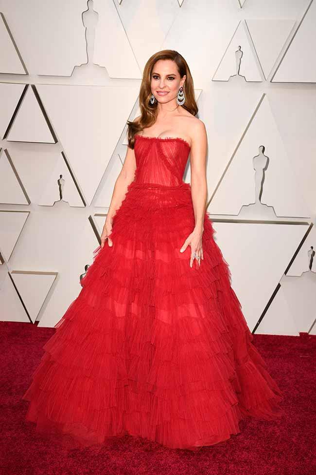 Marina de Tavira CREDITO E ENTERTAINMENT @EONLINELATINO - A moda no tapete vermelho do Oscar 2019