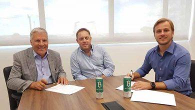 Nilo Job e Luciano Hocsman vice presidentes da FGF e Júlio Eggers diretor de Marketing da FRUKI 390x220 - Cervejaria Bellavista é nova parceira da FGF no Gauchão 2019