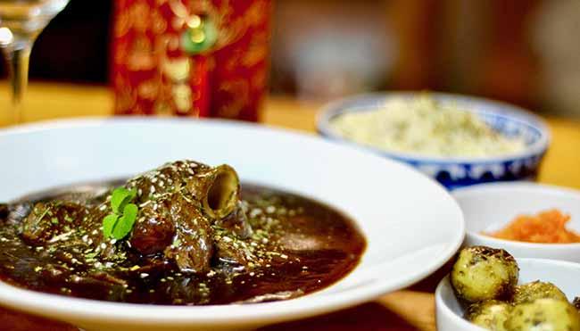Racha pernil de cordeiro ao molho de cravo ou anis - Espaço Tibet tem programação especial para celebrar o ano novo tibetano