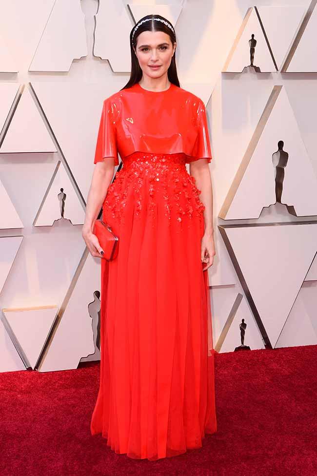 Rachel Weisz CREDITO E ENTERTAINMENT @EONLINELATINO - A moda no tapete vermelho do Oscar 2019