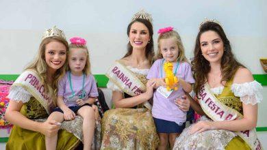 Rainha e princesas da Festa da Uva 5 390x220 - Festa da Uva: Rainha e princesas visitam Escola Municipal Cidade Nova