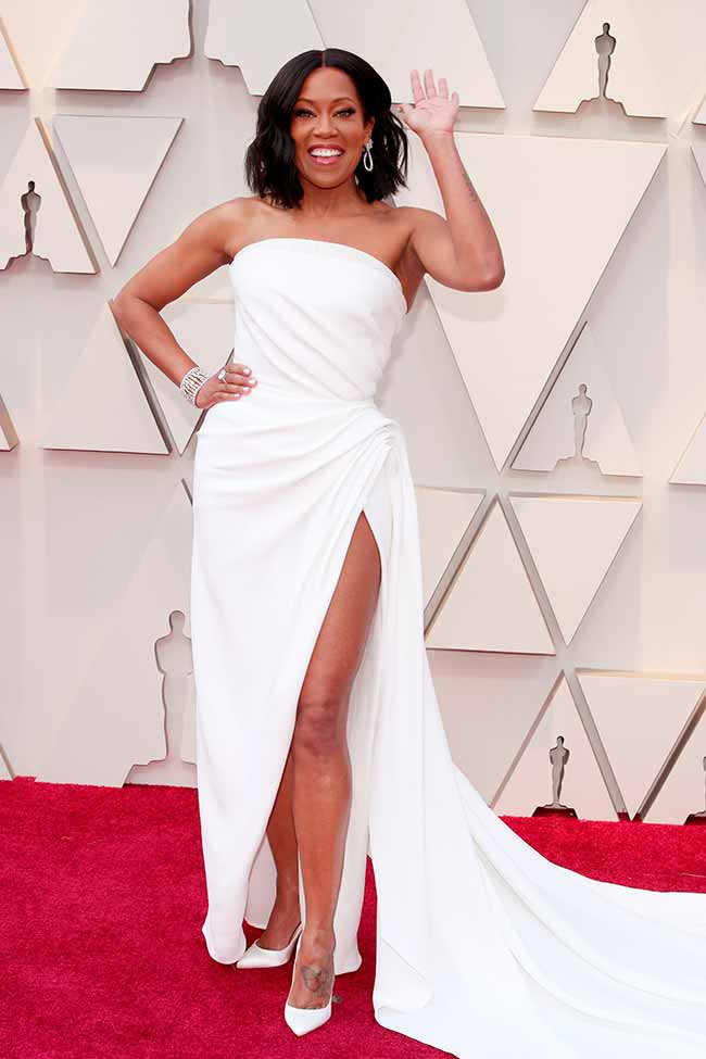Regina King CREDITO E ENTERTAINMENT @EONLINELATINO - A moda no tapete vermelho do Oscar 2019