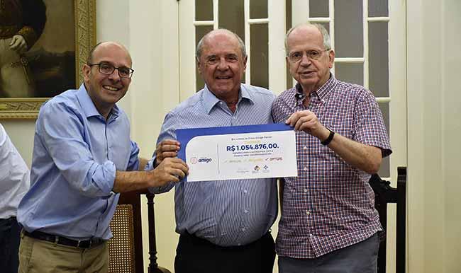 Santa Casa recebeu mais de R 1 milhão com o Troco Amigo - Santa Casa recebeu mais de R$ 1 milhão com o Troco Amigo Panvel em cinco anos