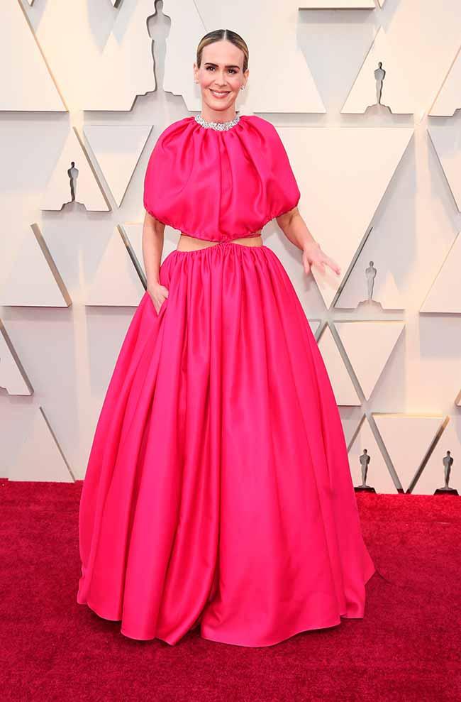 Sarah Paulson CREDITO E ENTERTAINMENT @EONLINELATINO - A moda no tapete vermelho do Oscar 2019