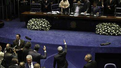 Sessão do Senado é suspensa 390x220 - Sessão do Senado é suspensa e escolha do presidente fica para hoje (2/02)