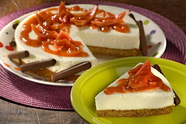 Torta Mousse de Queijo com Molho de Goiaba Palitos Aberta - Torta Mousse de Queijo com Molho de Goiaba