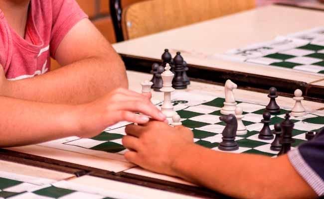 Uras Mundo da Criança agora conta com oficina de xadrez - Uras Mundo da Criança agora conta com oficina de xadrez