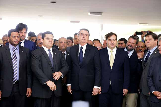 bolsonaro camara - Bolsonaro entrega proposta da reforma da Previdência aos deputados