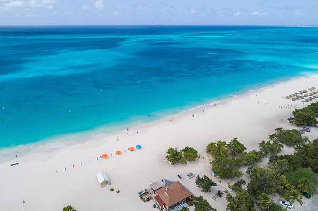 Eagle Beach, em Aruba, é a terceira melhor praia do mundo — Revista News