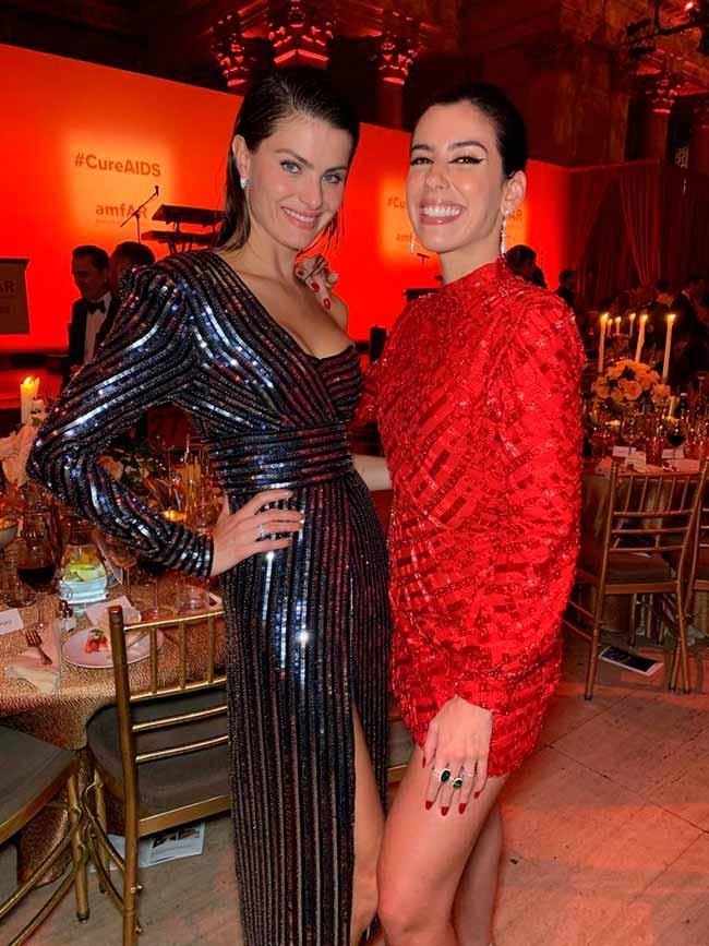 isabeli e camila  - Colcci veste Isabeli Fontana e Camila Coutinho no amfAR em NY