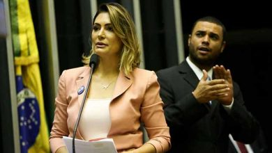 michele bolsonaro 390x220 - Michelle Bolsonaro pede atenção especial aos pacientes de doenças raras