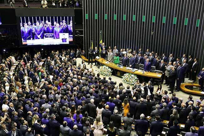 posse deputados - Deputados tomam posse e devem eleger a nova Mesa da Câmara