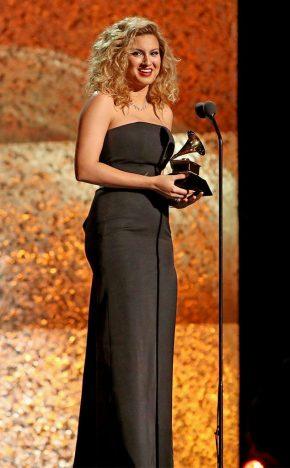 tori kelly winner grammy awards 2019 290x468 - Os ganhadores do Grammy Awards 2019