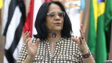 Damares Alves 390x220 - Damares anuncia auditoria na Comissão de Anistia