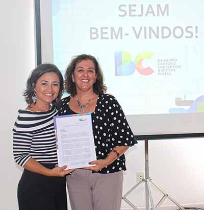 Flavia Didomenico em reunião no BC Convention 1 - Nova presidente da Santur em Balneário Camboriú