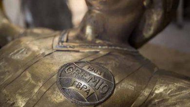 Grêmio inaugura estátua de Renato 390x220 - Grêmio inaugura estátua de Renato na Arena e imortaliza jogador