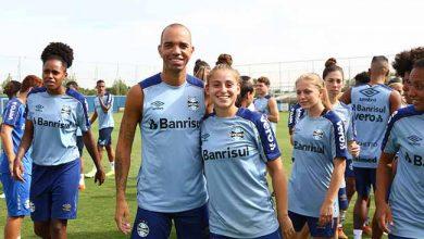 Gurias Gremistas treinam no CT Luiz Carvalho 1 390x220 - Gurias Gremistas treinam no CT Luiz Carvalho