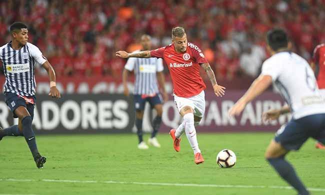 Inter vence o Alianza Lima 3 - Inter vence em casa e lidera grupo na Libertadores