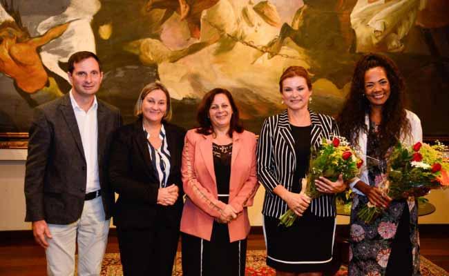 Novo Hamburgo prefeita Fátima Daudt - Fátima Daudt é empossada nova presidente da Amvars