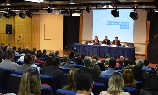 Os diretores Simone Freire Rodrigo Aguiar e Rogério Scarabel fizeram a abertura da agenda - ANS discute relação formal entre operadoras e prestadores