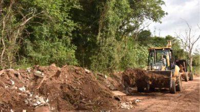 Serviços estão passando por vias do bairro rural de Lomba Grande 390x220 - Estradas de Lomba Grande recebem manutenção