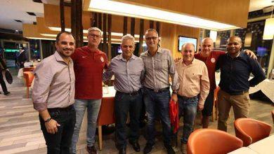 Técnico da Seleção Chilena visita delegação colorada 1 390x220 - Técnico da Seleção Chilena visita delegação colorada