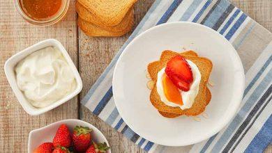 Torradas com iogurte grego e frutas 390x220 - Torradas com iogurte grego e frutas