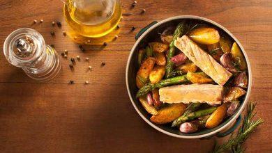 atum com batatas rústicas e aspargos 2 390x220 - Filé de atum ao forno com batatas