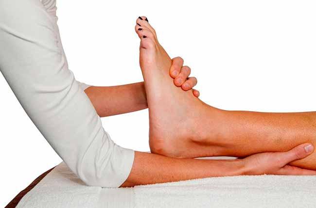 Tendinopatia é causada pelo excesso de uso dos tendões do pé e tornozelo