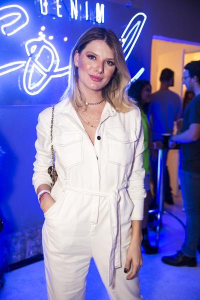 isabella kulikovski1 web  - Colcci reuniu celebridades em Denim Party