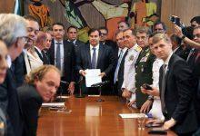 maia refprev 220x150 - Bolsonaro entrega reforma previdenciária dos militares ao Congresso