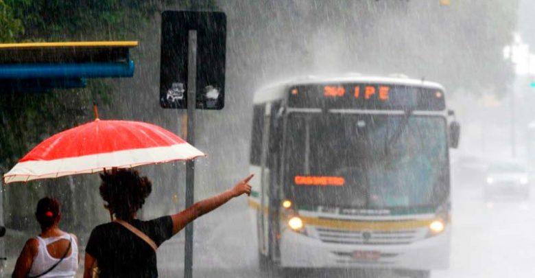 tempors 780x405 - Verão gaúcho termina com nebulosidade e pancadas de chuvas