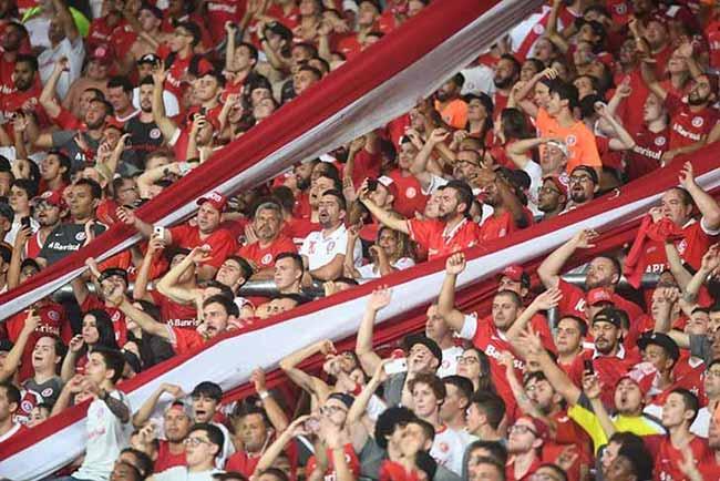 torcida colorada no Beira Rio 1 - Torcida Colorada dá show na vitória sobre o Alianza Lima