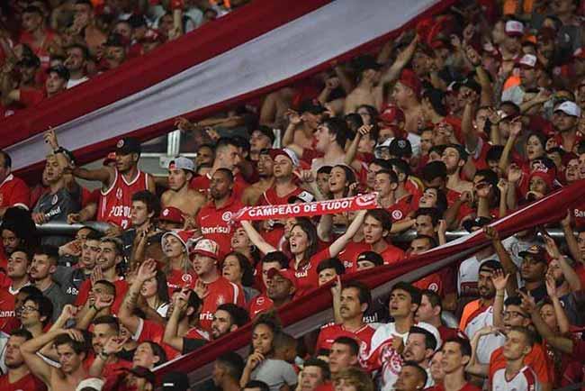 torcida colorada no Beira Rio 2 - Torcida Colorada dá show na vitória sobre o Alianza Lima