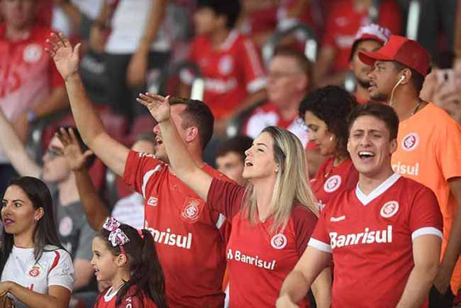 torcida colorada no Beira Rio 3 - Torcida Colorada dá show na vitória sobre o Alianza Lima