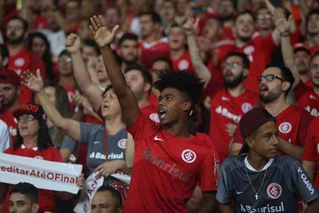 torcida colorada no Beira Rio 4 - Torcida Colorada dá show na vitória sobre o Alianza Lima