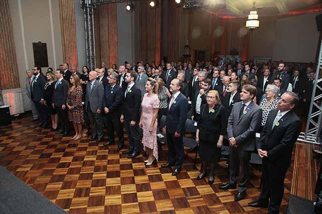 A diretoria fica no comando da entidade até 2020. Fotos Rosi Boni 5 - Simone Leite toma posse para segunda gestão na Federasul